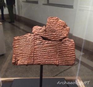 蘇美文化陶板,出土於古城邦尼普爾(Nippur,今伊拉克),年代約為西元前1650年。